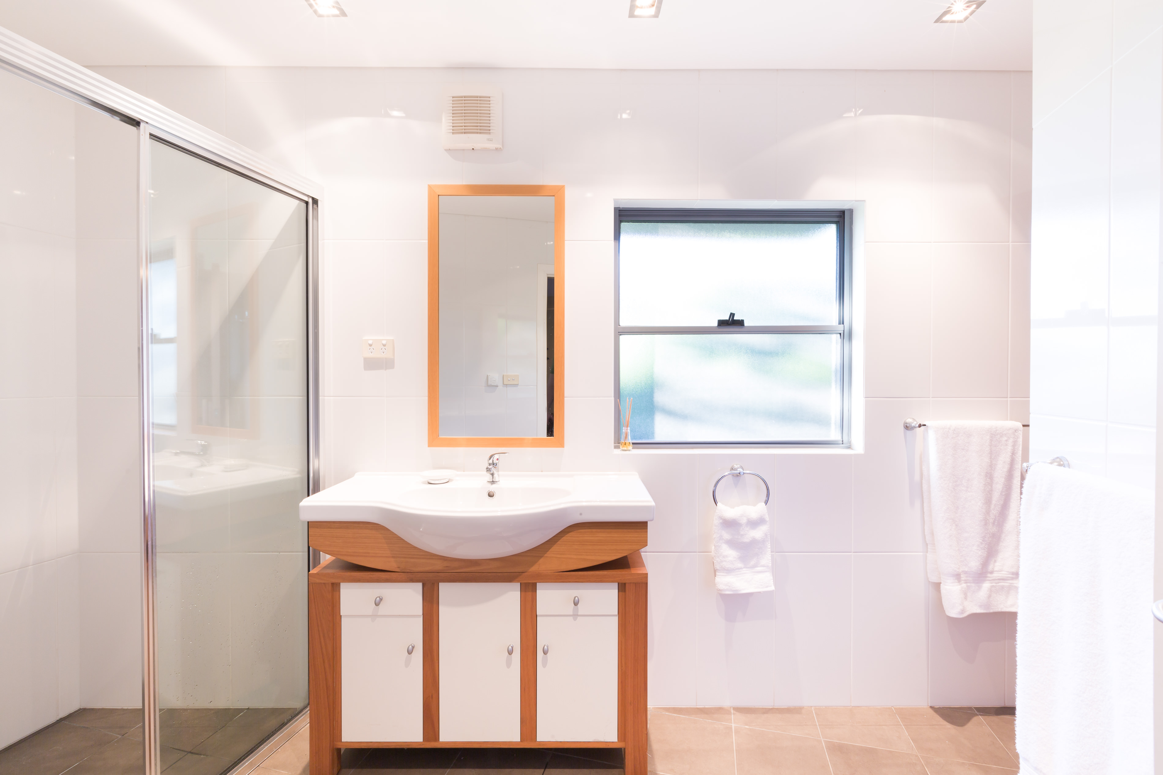 Black Diamond Beach House Guest Bathroom, Real Estate Photography