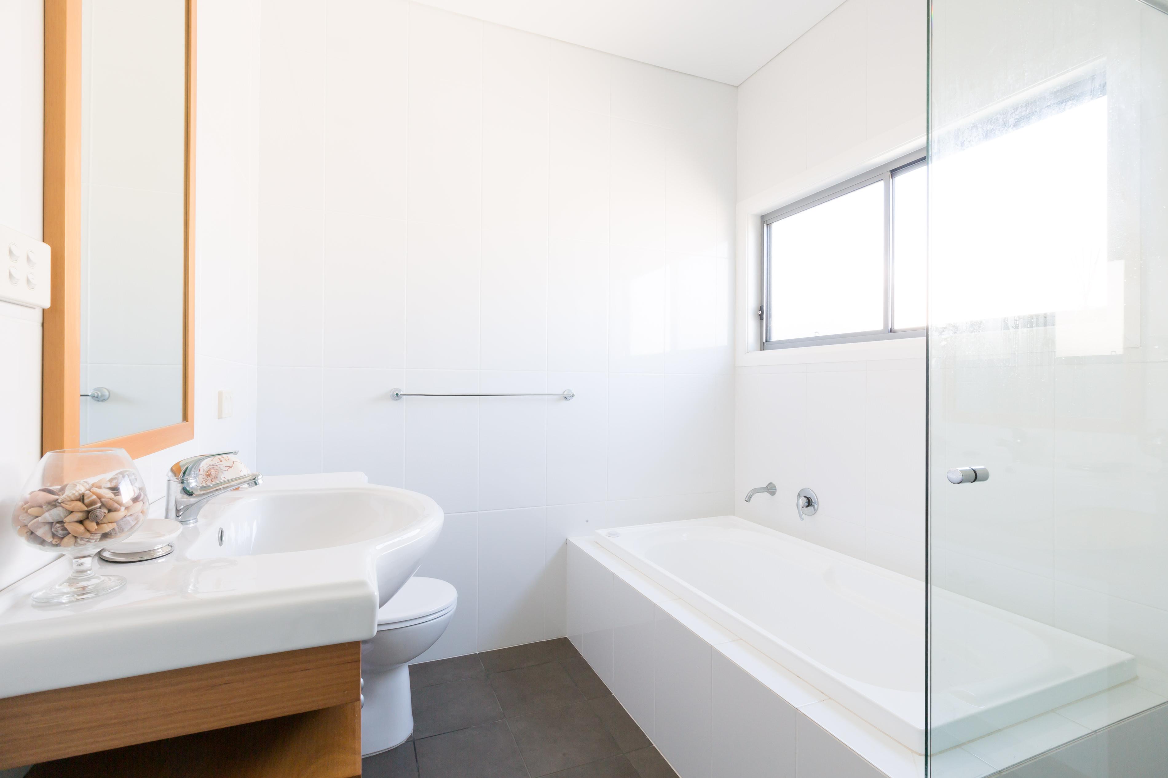 Modern Bathroom Photography at Black Diamond Beach House