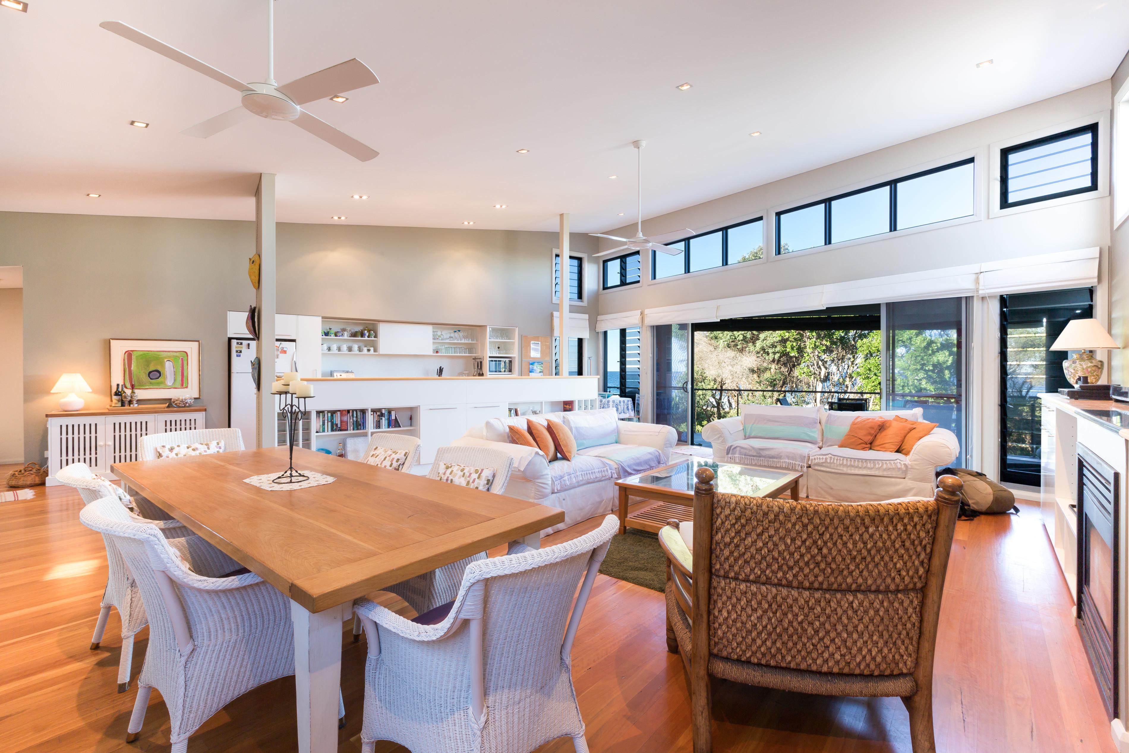 Black Diamond Beach House Living Room, Real Estate Photography