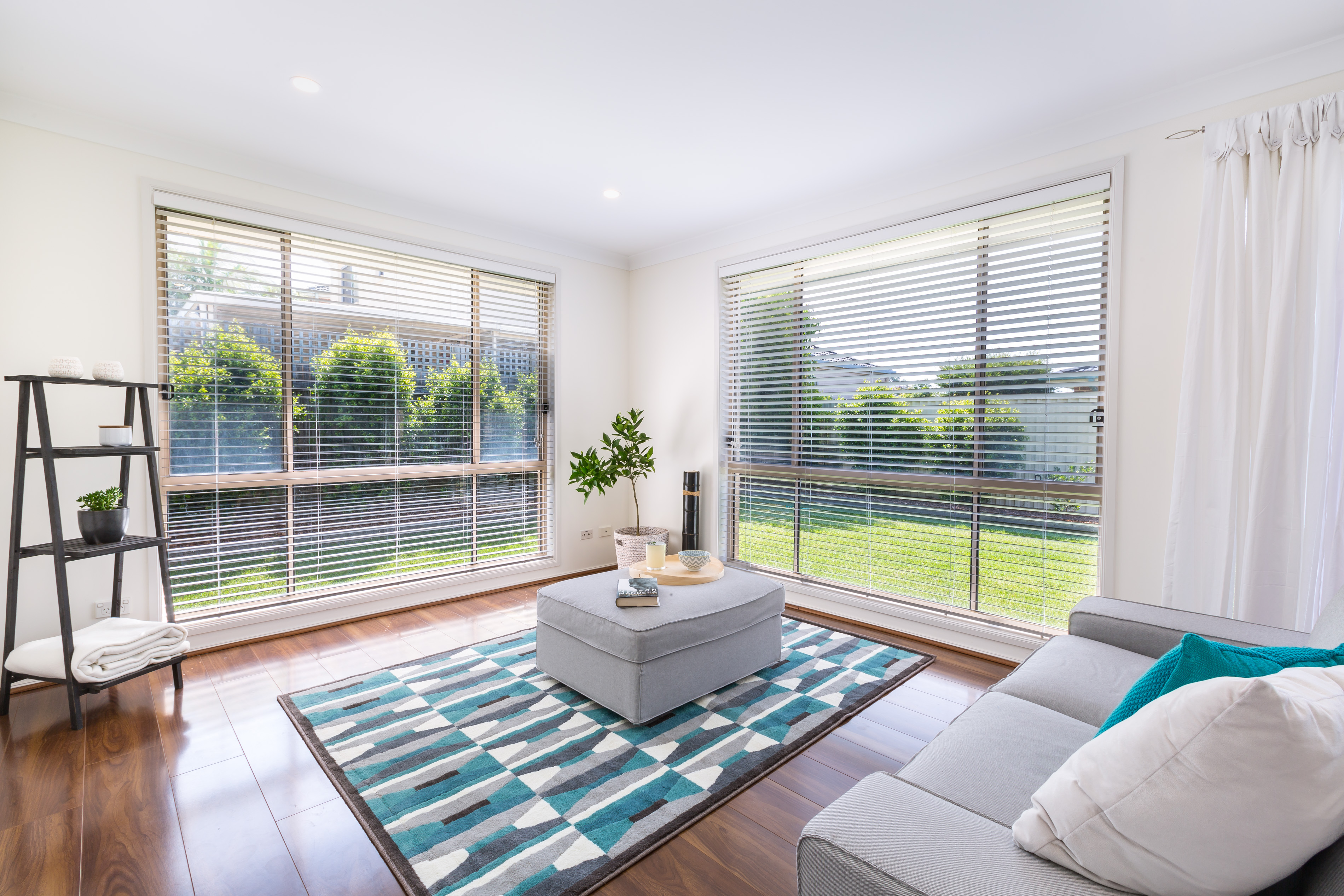 Real estate photography, Living Room and Yard of Tuggerah 4 Bedroom house